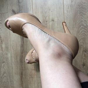 ANTONIO MELANI Nude leather peep toe sandals
